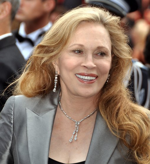 Faye Dunaway Sued by Ex-Assistant After Broadway Boot |