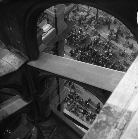 Crowds at Les Halles, Paris (Walt Girdner photo)