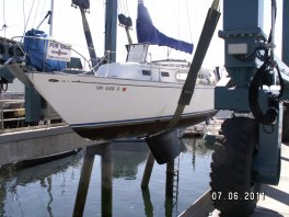 sailboat haul out