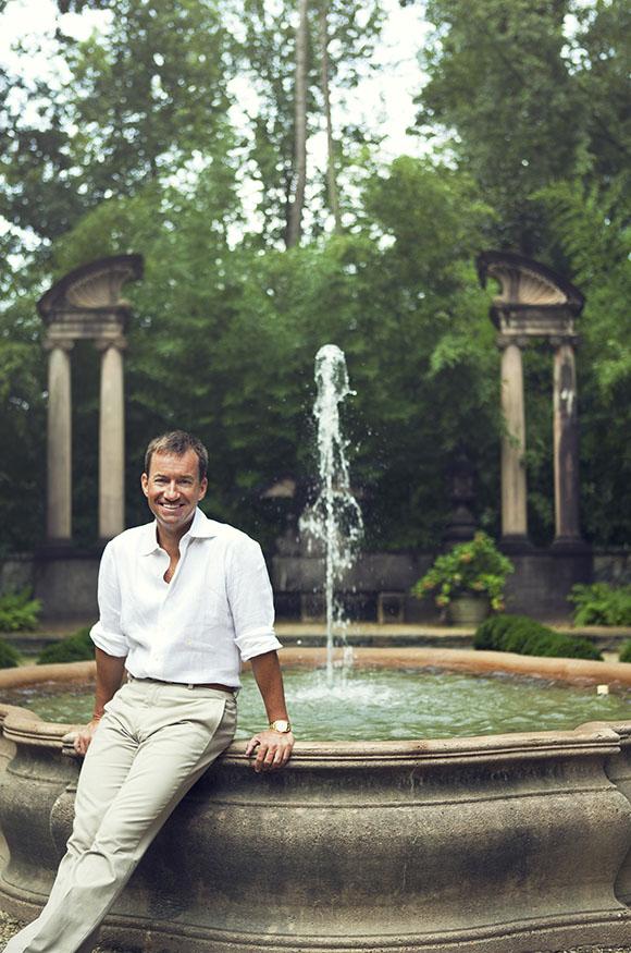 Alex Hitz, fountain