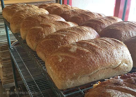 Keeping bread fresh - on www.CourtneyPrice.com