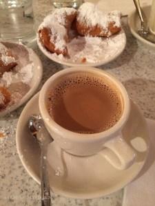 Cafe du monde, New Orleans food at www.CourtneyPrice.com
