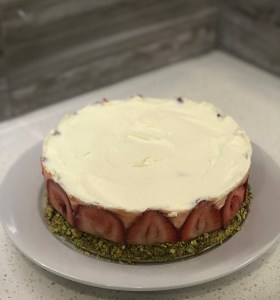 Best Summer Dessert ever- so elegant, delicious and wheat-free. On www.CourtneyPrice.com