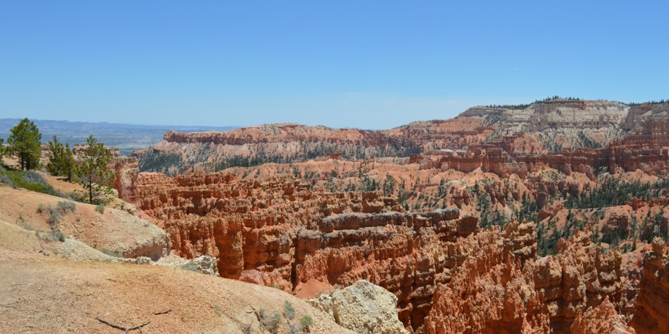 Bryce Canyon N.P. - Amphitheater looking to Sunrise Point