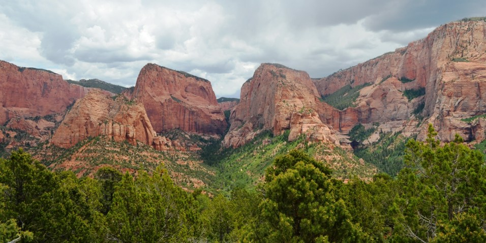 Kolob Canyon from the loop at the end of the trail