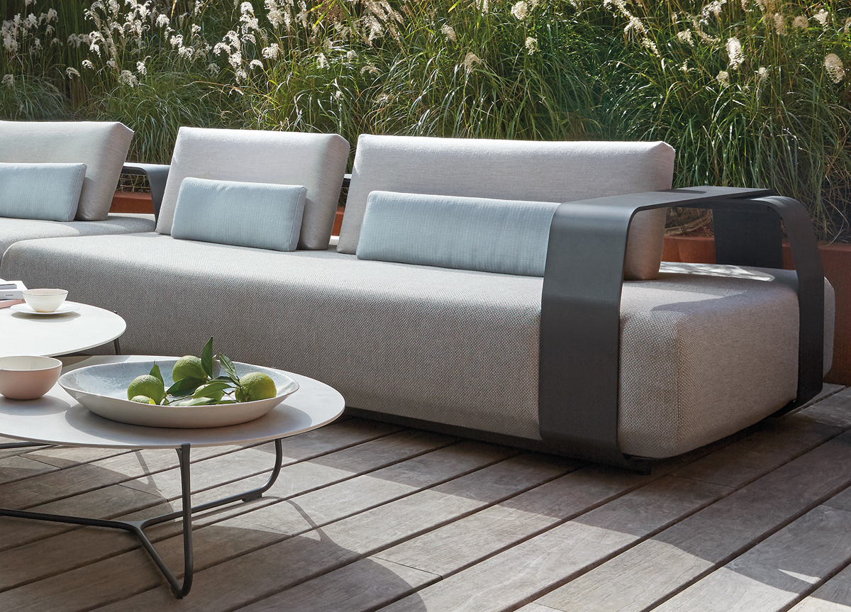 big chunky corner sofas flexsteel dylan chaise reclining sofa manutti kuomo 3 seater couture outdoor