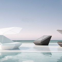 Chaise Lounge Chairs Pool Kitchen Chair Covers Dunelm Modern Illuminating Reclined Vondom Faz Daybed Led Lights Outdoor