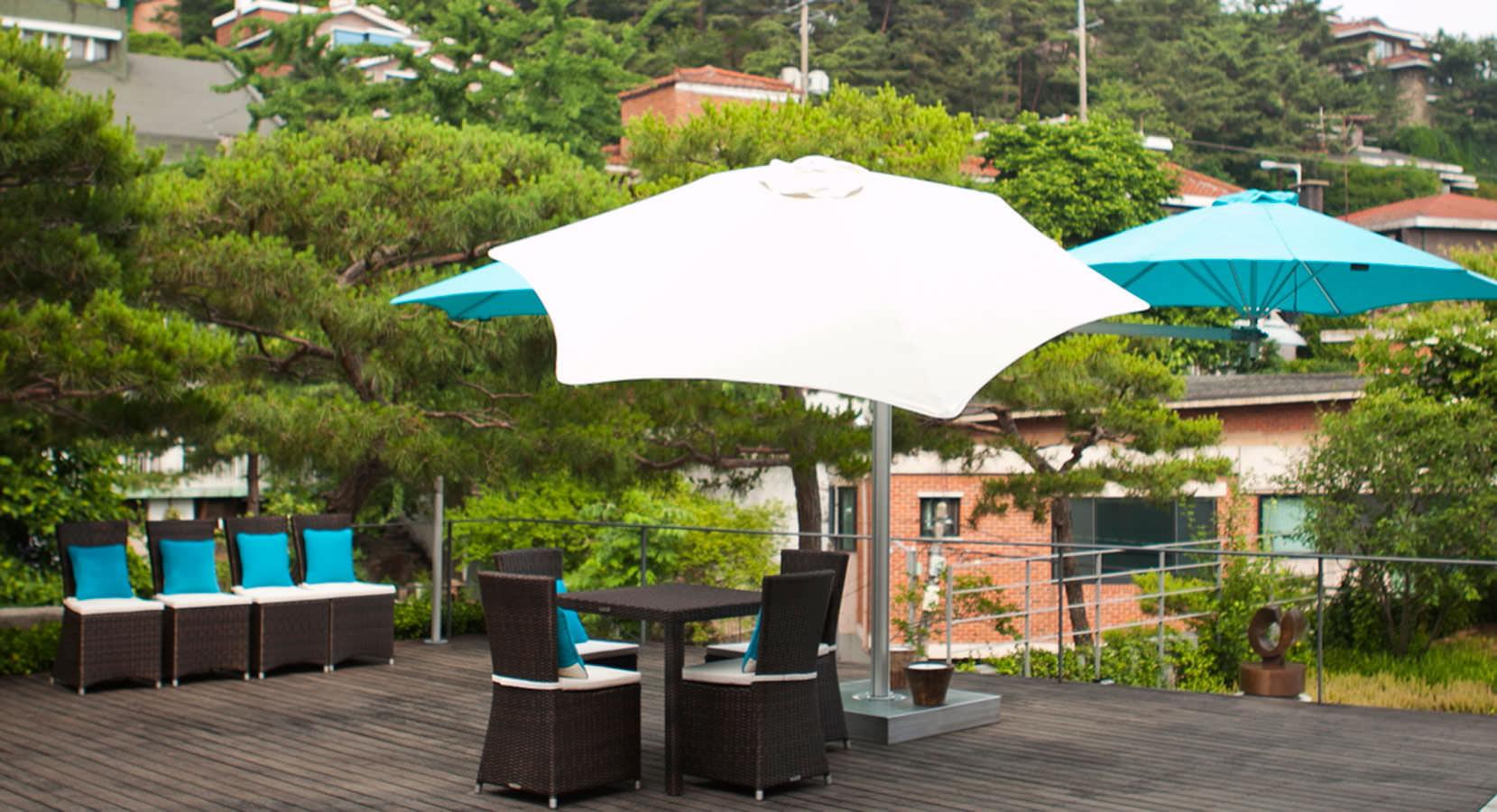 victoria 5 multiple cantilever umbrella