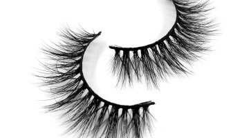 How To Get False Lashes To Stay On Longer?