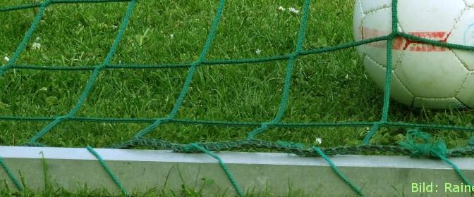 Fußball Header, Bild: RainerSturm / pixelio.de