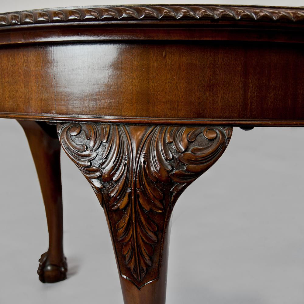 Antique mahogany extending dining table  Antique Furniture