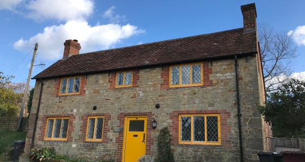 Beautiful Two Bedroom Detached Cottage - Residential property to rent on the Cowdray Estate, Midhurst, West Sussex