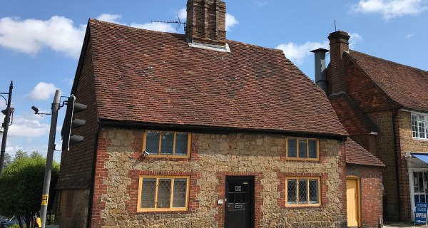 Grade II Listed Three Bedroom Cottage - Residential property to rent on the Cowdray Estate, Midhurst, West Sussex