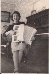 Mary Manning playing the accordion.