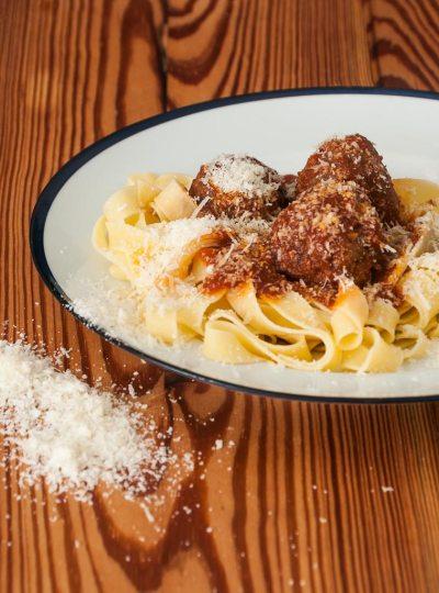 Almondegas com Pappardelle e Queijo Parmesão | Cozinha do João