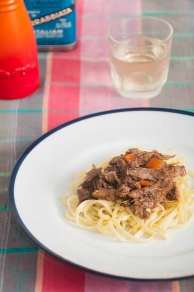 Receita de Tagliolini com ragu de coelho   Cozinha do João