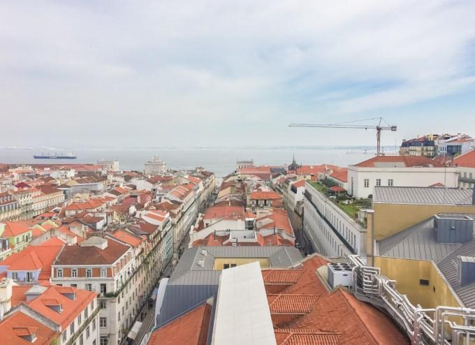 Lisboa—vista do topo do Elevador de Santa Justa