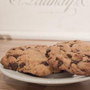 Schneller Keks- und Kaffeehunger? Ich habe da etwas gaaanz Böses für euch! Rezept für Blitz-Cookies in 5 Minuten mit Schokolade