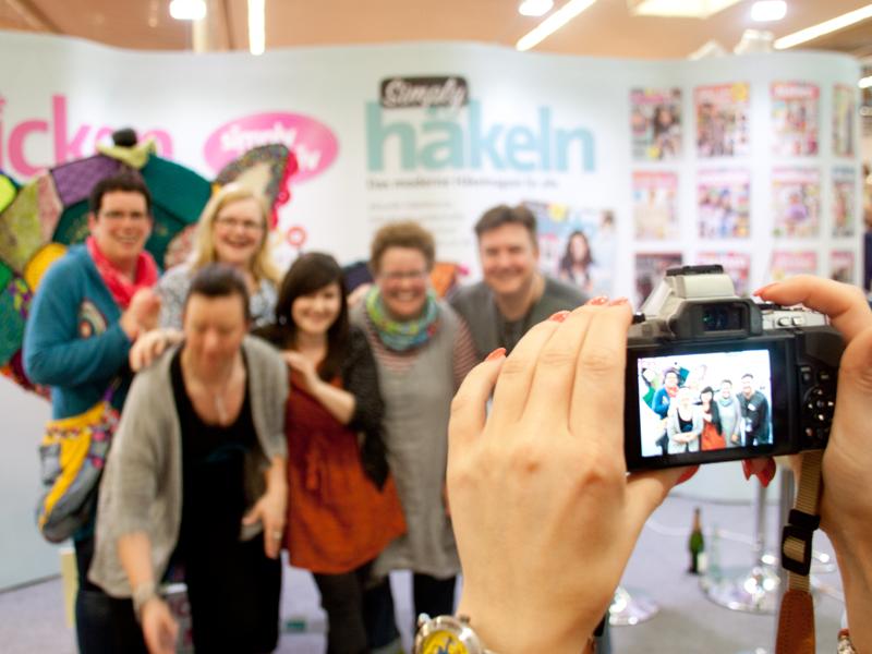 Die DIY-Blogger Mark & Daniela Müller  mit Simply Stricken und Simply Häkeln (bpa-media) auf der Creativa 204 in Dortmund.