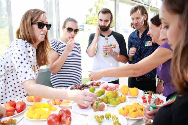 Bei der anschließenden Tomatenverköstigung durften wir alle Sorten probieren. Unglaublich wie aromatisch diese Tomaten sind. Man möchte nie wieder etwas anderes kaufen!