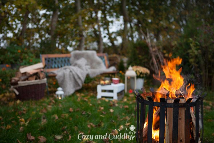 Stimmungsvolle und schöne Ideen um den Herbst zu geniessen. Zum beispiel mit Kakao und Marshmallows am Lagerfeuer im Garten