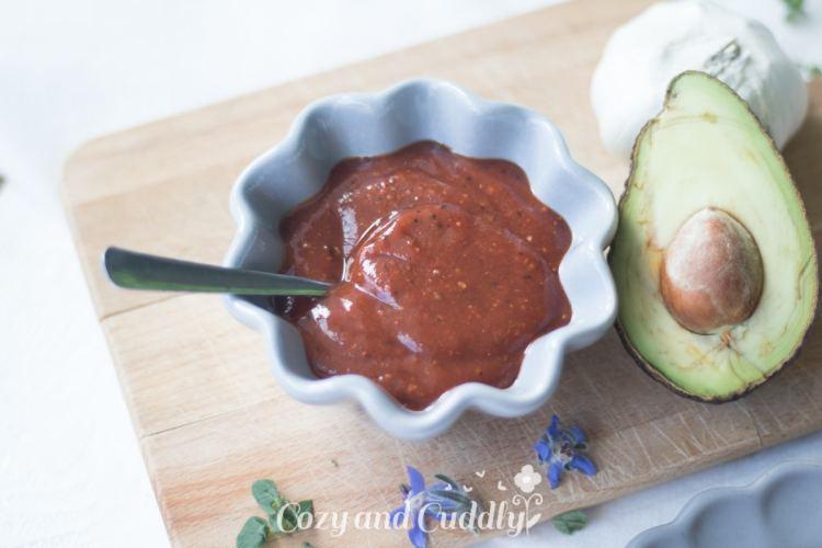 Kartoffel-Zucchini-Möhren-Puffer mit Barbecue Soße - Vegan und Glutenfrei