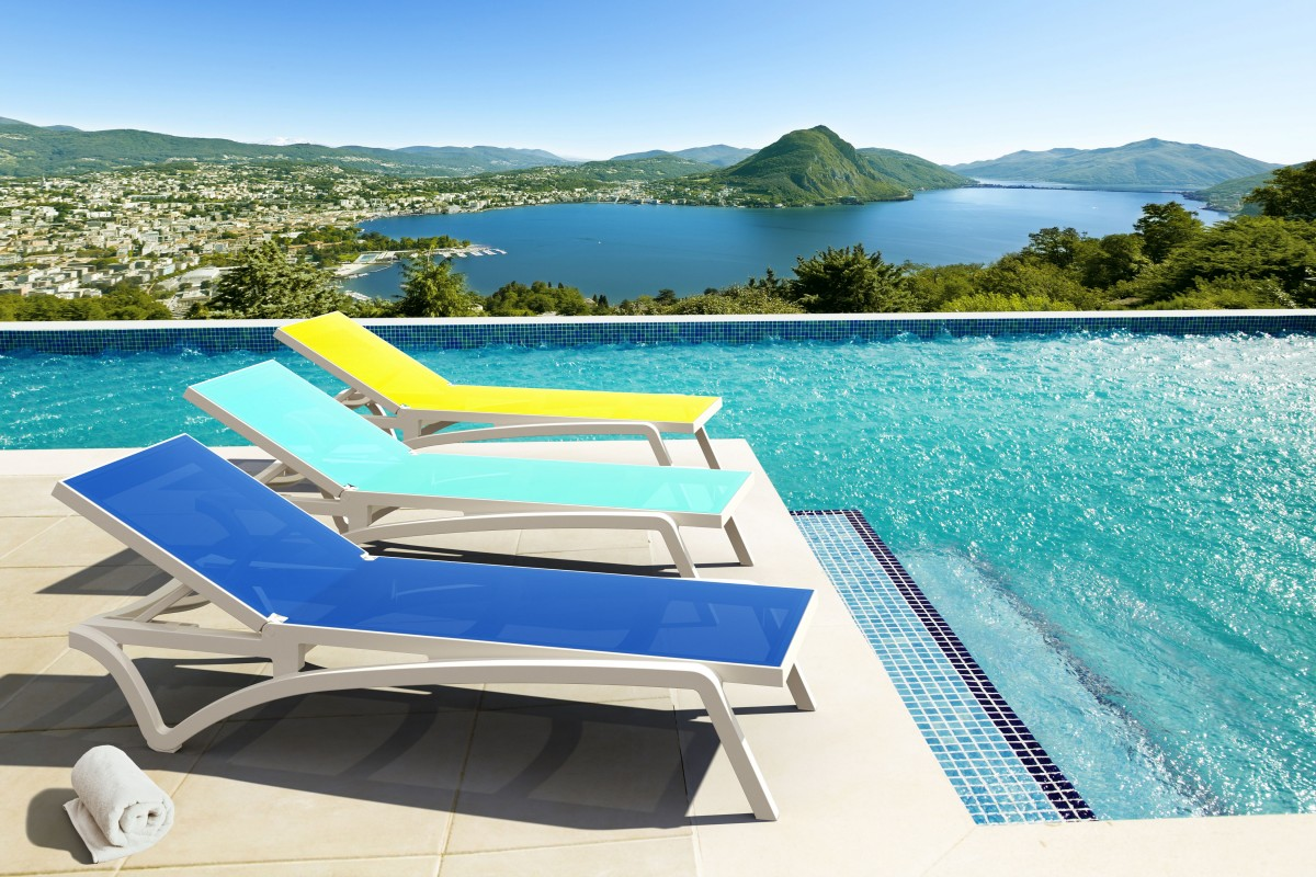 outdoor pool lounge chairs hanging egg chair queensland patio furniture blog cozydays
