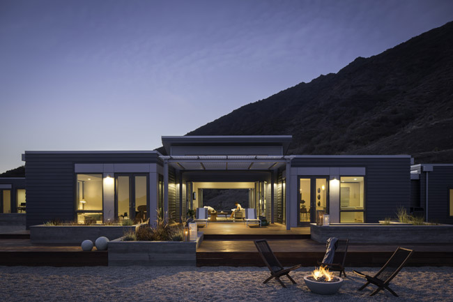 The LA Breezehouse by Blu Homes Brings Luxury to the Prefab Home