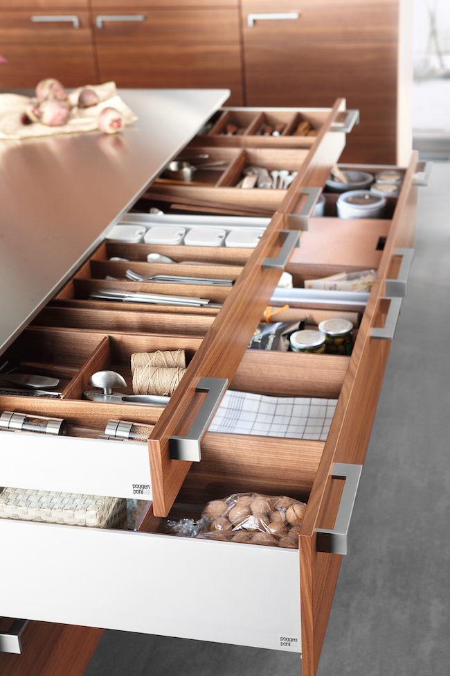 Poggenpohl-organized kitchen drawers via cozystylishchic.com