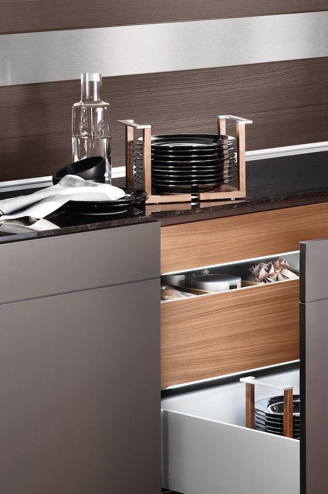 Poggenpohl-kitchen drawer organization via Cozy Stylish Chic