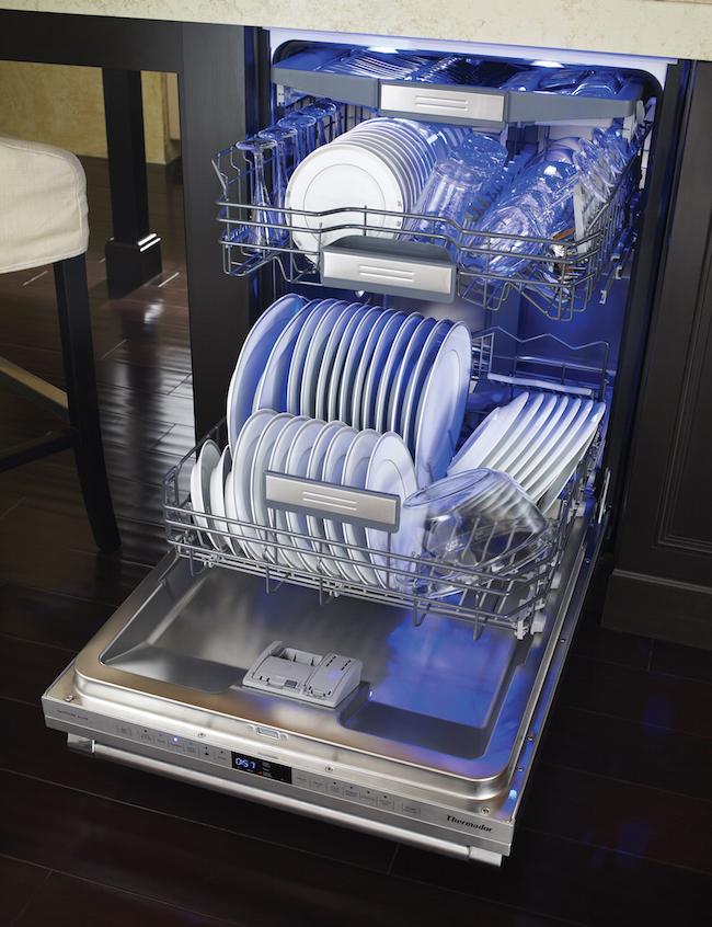Thermador Star Sapphire Dishwasher via cozystylishchic.com