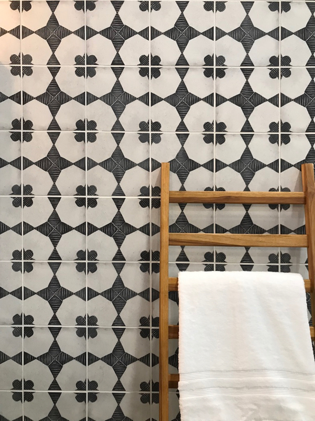 2018 tile trends - black and white inkjet patterned tile