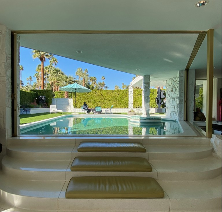 Indoor outdoor pool design - William Krisel/Hal Levitt, Palm Springs