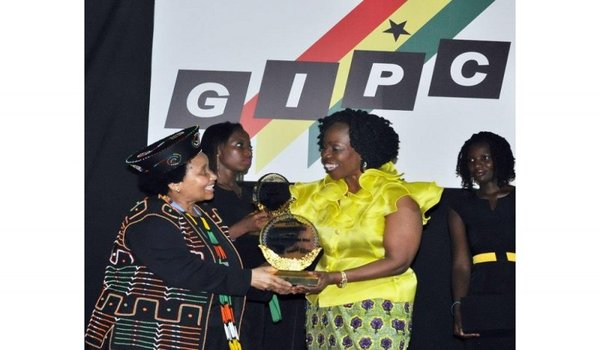 Ms. Esther Cobbah receiving award at the GC 100 award ceremony Image Credit: starfmonline