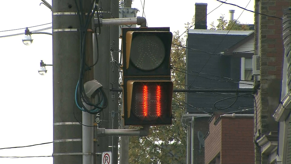 Pedestrian Timers May Make Intersections Less Safe Study