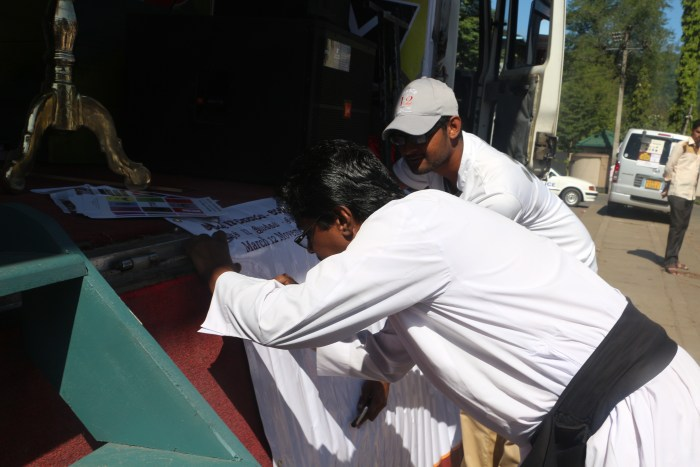 Signature campaign in Badulla_1
