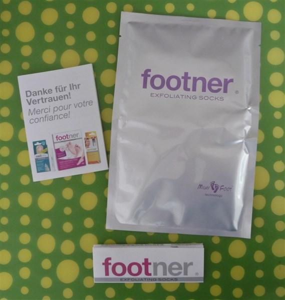 Un sachet avec les fameuses chaussettes, un mode d'emploi et de la pub pour les autres produits Footner.