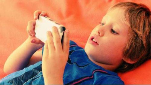 smartphone boy