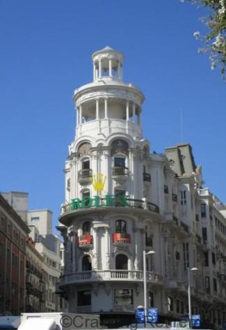 Cracking Retirement Flat Iron Madrid