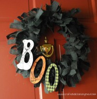 Decorate your home with these Halloween & Fall DIY Wreath