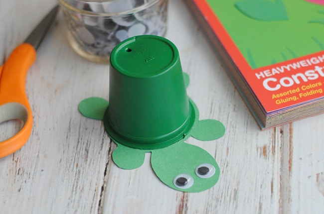 This upcycled k-cup turtle craft is super cute, fun and easy for kids!