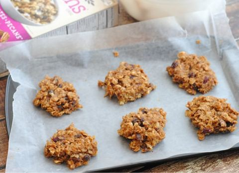 These breakfast cereal cookies are easy to make, delicious and perfect for breakfast or a healthy snack!