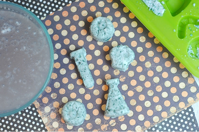 DIY Halloween bath bombs are inexpensive and fun to make and use!