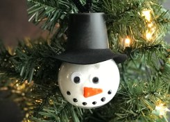 You'll have so much fun make this affordable snowman ornament craft this holiday season.