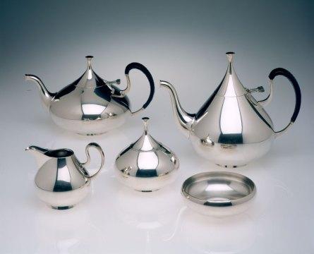 John Prip, Dimension, Tea and Coffee Service, 1961. Courtesy Museum of Art, Rhode Island School of Design, Erik Gould photograph