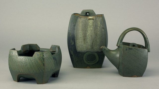 Sequoia Miller, Bowl Covered Jar Teapot, 2006. Doug Hill photograph