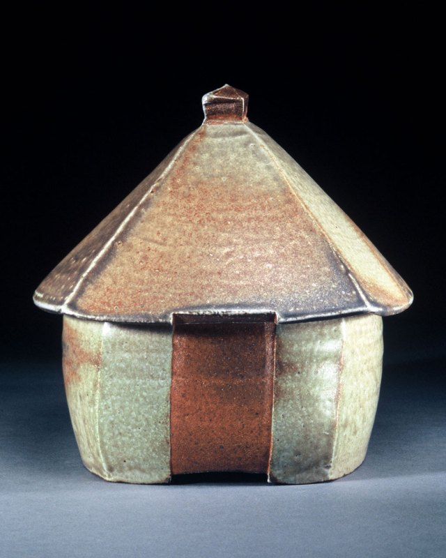Mary Law, House Pot, 2006. Richard Sargent photograph