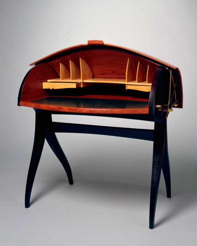 Jere Osgood, Summer '99 Shell Desk, 1999. Courtesy of Museum of Art, Rhode Island School of Design, Erik Gould photograph