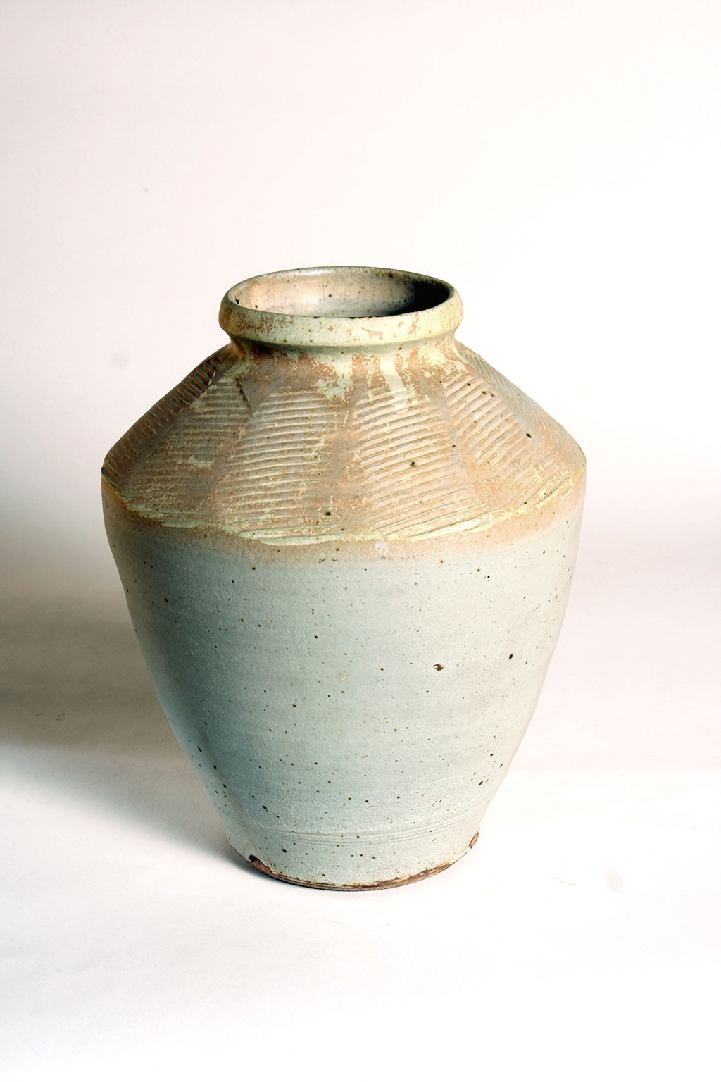 Warren MacKenzie, Vase. Lauren Jordan photograph