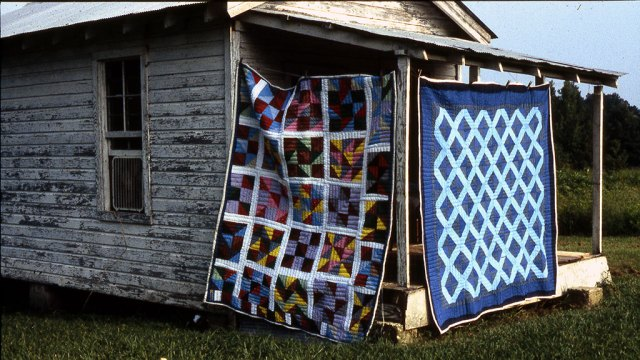 Quilts Hanging, Port Gibson, MS.